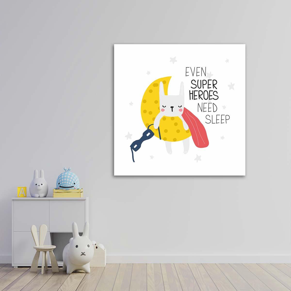 لوحات جدارية - القطة البطلة الخارقة نائمة - لوحات جدارية - لوحات فنية مميزة - لوحة حائط مفعمة بالوان الطفولة والأشكال المحببة للأطفال حيث تحوي تناثر الألوان المائية على كانفس مشدود عالي الجودة تعطي شعور السلام والفن الراقي مع بصمة الذوق الرفيع الذي يتناسب مع جميع أثاثكم